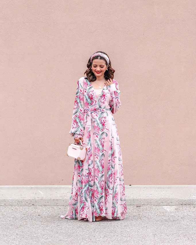 Tips on how to style a maxi dress blogger outfit - Pink floral maxi dress pearl beaded headband