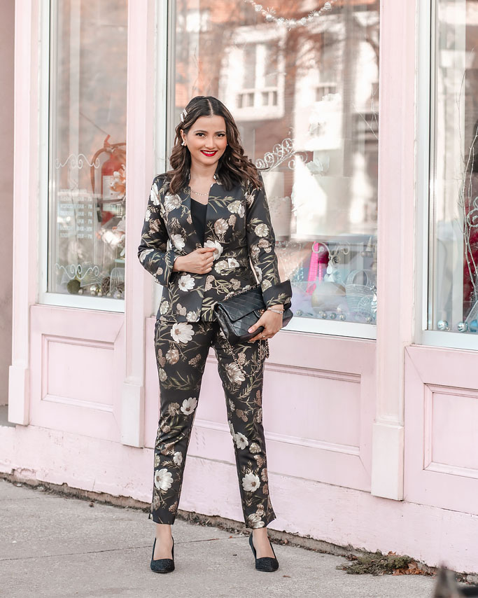 Holiday Party Outfit Ideas – Le Chateau Foil Floral Print Suit