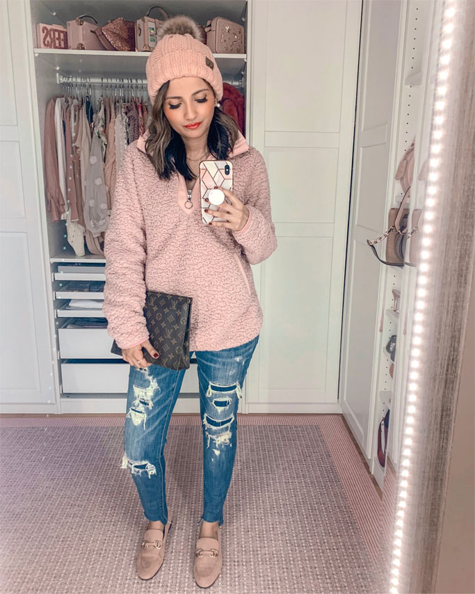 Five Must Have Amazon Fall Sweaters Pink Fleece Pink Pom Pom Hat Louis Vuitton Poche Toilette 26 Blogger Outfit