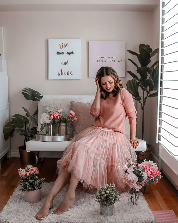 How-to-Style-a-Tulle-Skirt-Pink-Blogger-Outfit-Sweater
